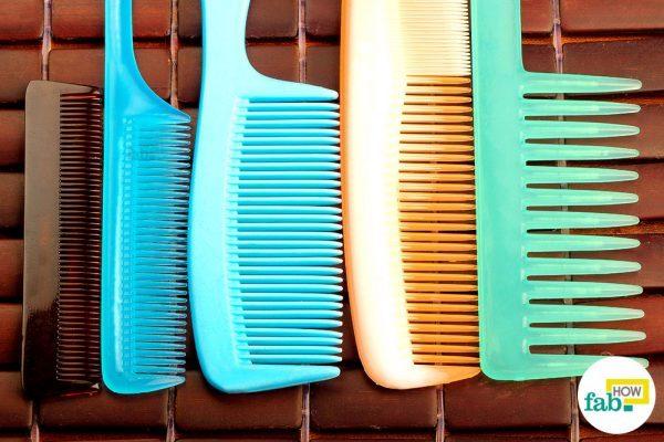 clean a dirty hair comb