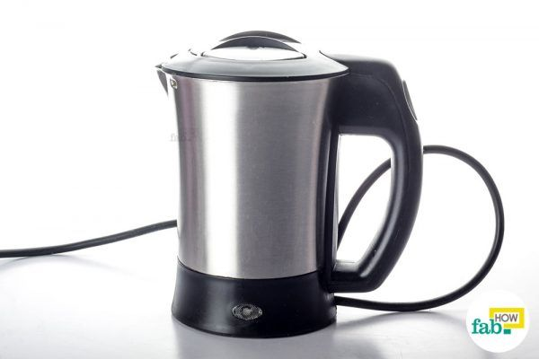 clean limescale from stainless steel electric kettle