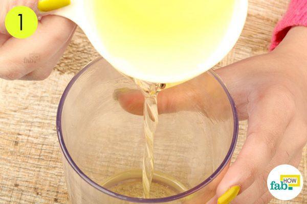 pour sunflower oil