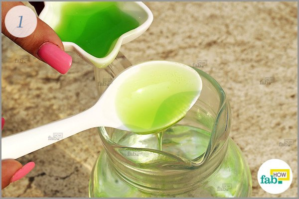 Add-dishwashing-liquid-