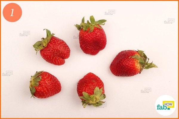 Wash and dry the strawberries