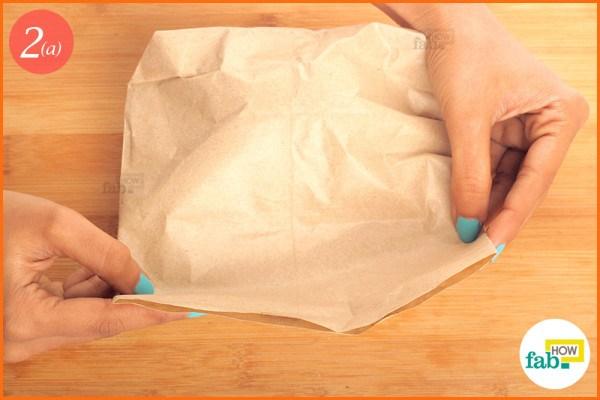 Fold the bag to seal avocado
