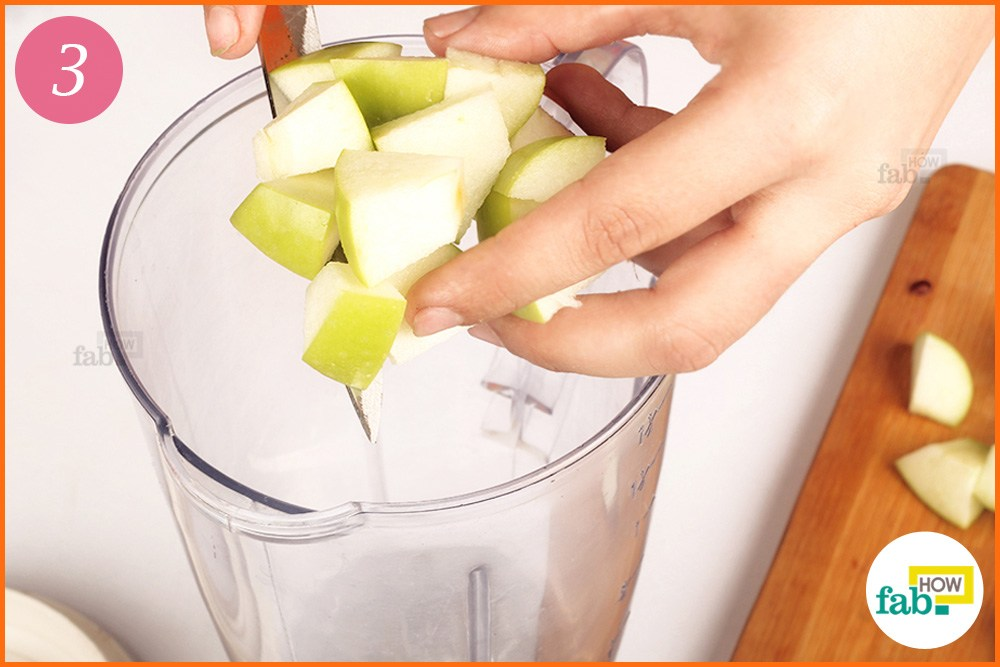 How to Make a Yummy Apple Banana Green Smoothie