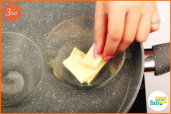 Put white chocolate in bowls