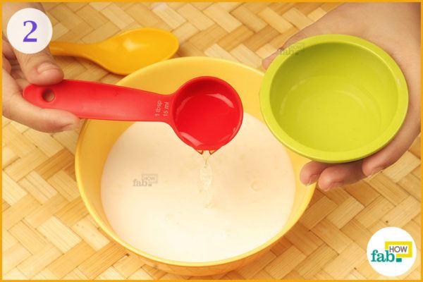 Step 2 Add 1tablespoon white vinegar