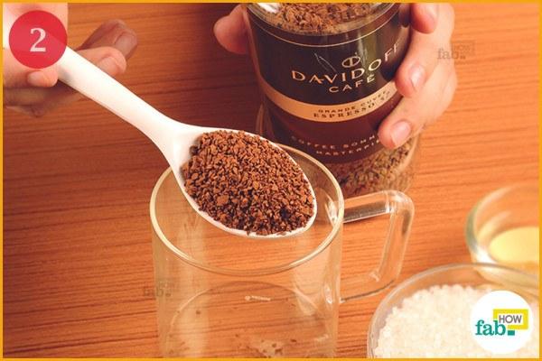 Measure-1 teaspoon coffee in a cup