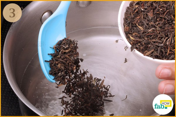 Add-1-teaspoon of tea leaves to it