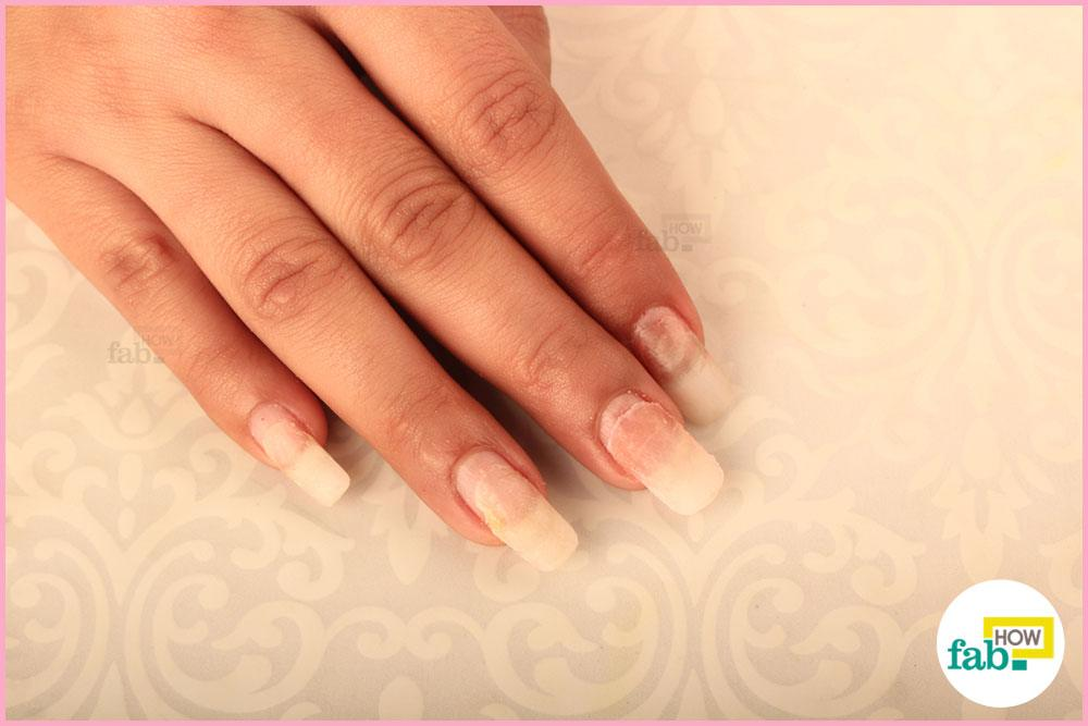How to remove acrylic nails easily at home fab how for Acrylic nail removal salon