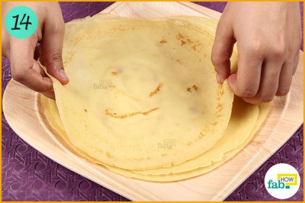 Transfer crepe to a plate
