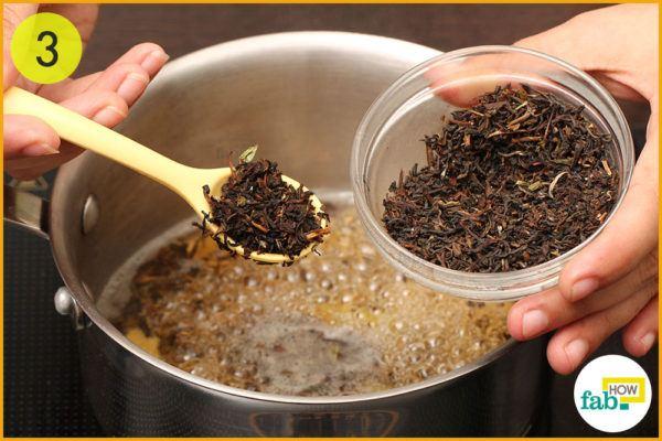 Add 1 teaspoon tea leaves in boiling water