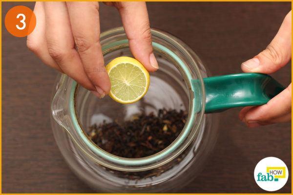 Add 2-3 slices of lemon