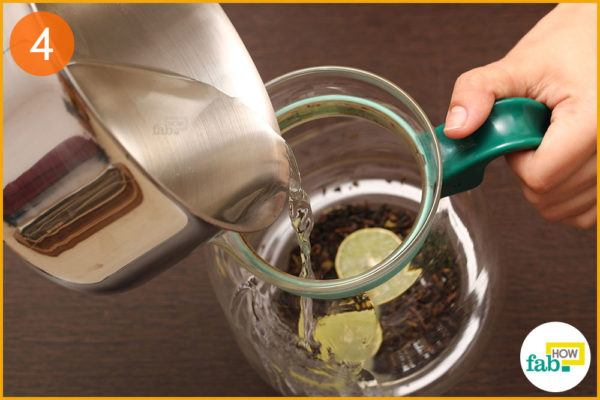 Pour boiling water and steep for 5 minutes