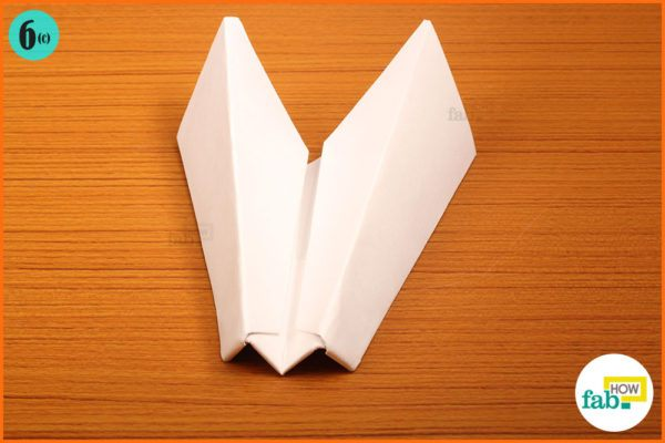 Buss paper airplane