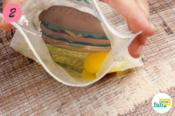 Pour the egg into a Ziploc bag