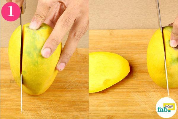 Cut mango slice