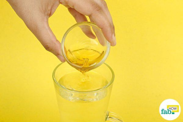 step-1-add-acv-to-the-warm-water