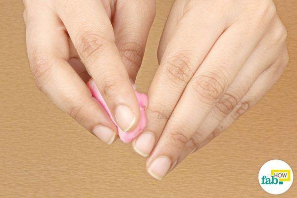 apply aloe vera to cure hang nails