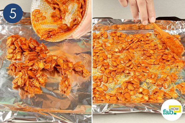 put the seasoned pumpkin seeds in a tray