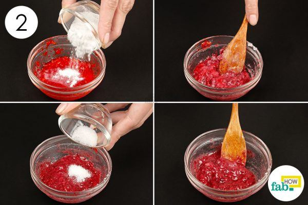 mix baking soda and salt to strawberry pulp