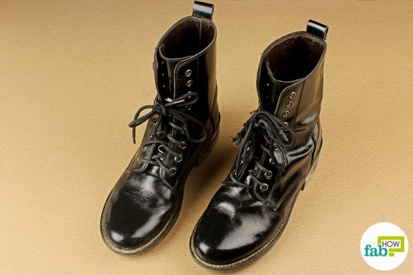 clean boots using dish soap