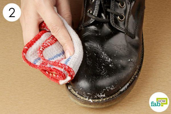remove the salt stains from boots