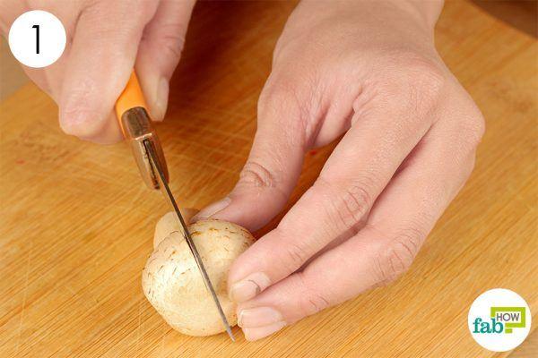 cut each mushroom in four pieces