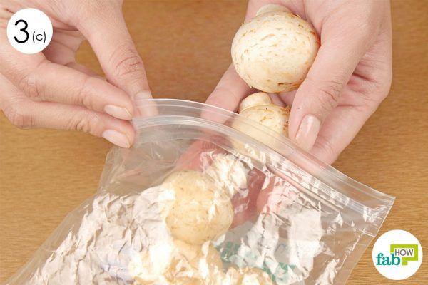 pack mushrooms in a zipper baggie