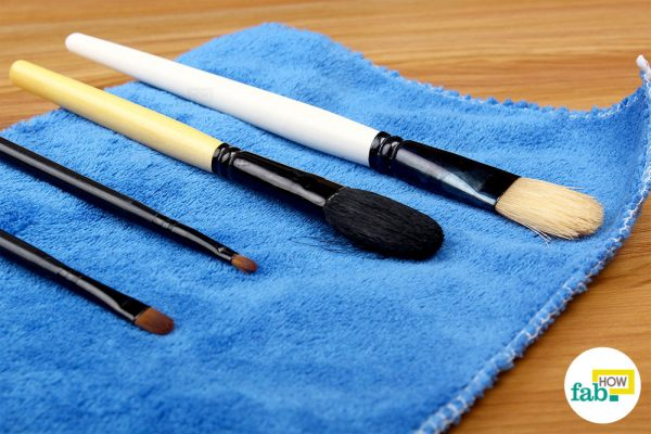 final clean makeup brushes with rubbing alcohol