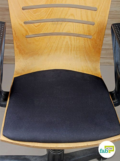 final clean chair fabric with vacuum