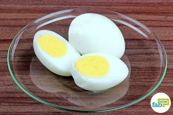 final peeled boiled egg with baking soda