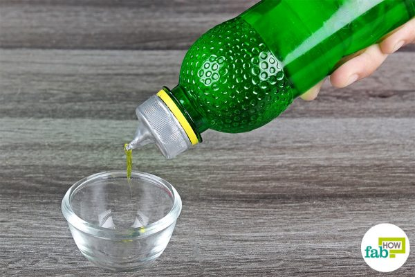 squeeze bottle made with plastic bottle