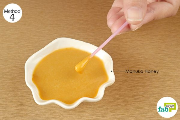 apply manuka honey on the infected area
