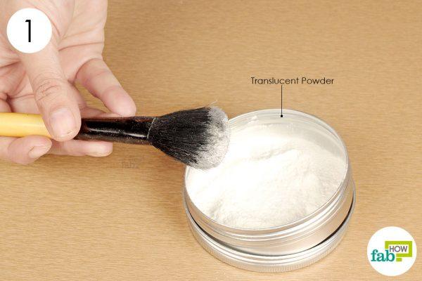 coat makeup brush with transluscent powder