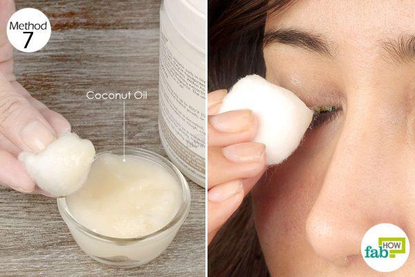 apply coconut oil on the eyelids