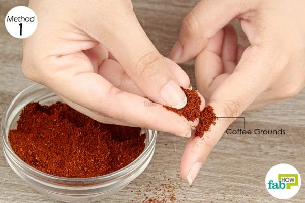 put coffee grounds over the cut