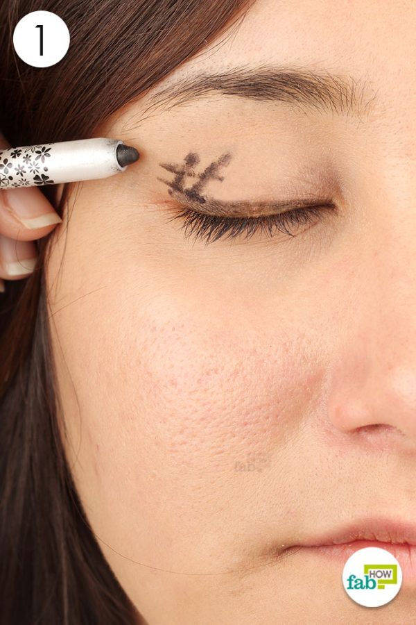 draw a hashtag on the outer corner of your eyelids