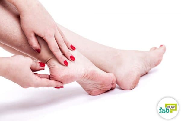 intro hot to get rid of dead skin on feet