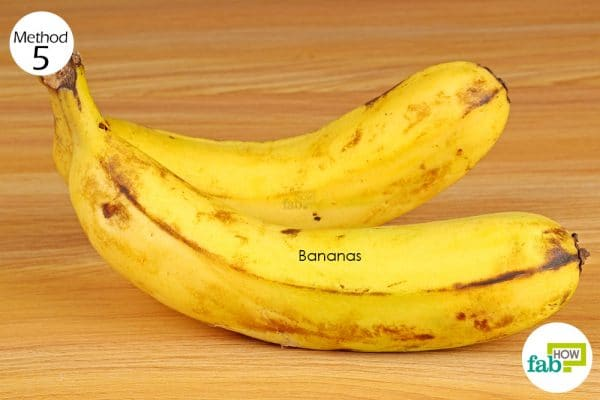 eat bananas to get rid of stomachulcers