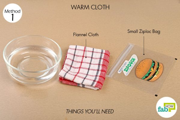 Use flannel cloth and Ziploc bag to make warm compress