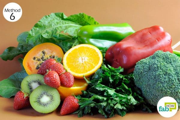 Eat green leafy vegetables that are rich in vitamin K to get rid of fibroids