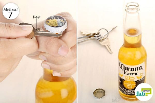 Open the beer bottle using the edge of the key to open the beer bottle without opener