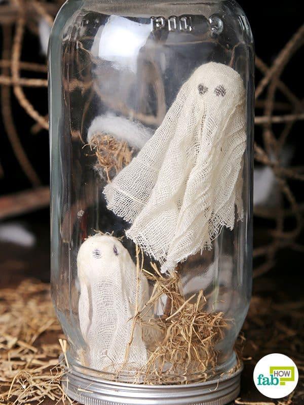 Your DIY Halloween decoration Mason jar globes are ready