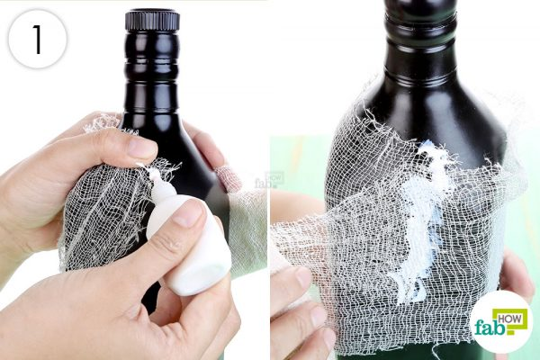 Wrap the bottle with medical gauze to make Halloween decoration