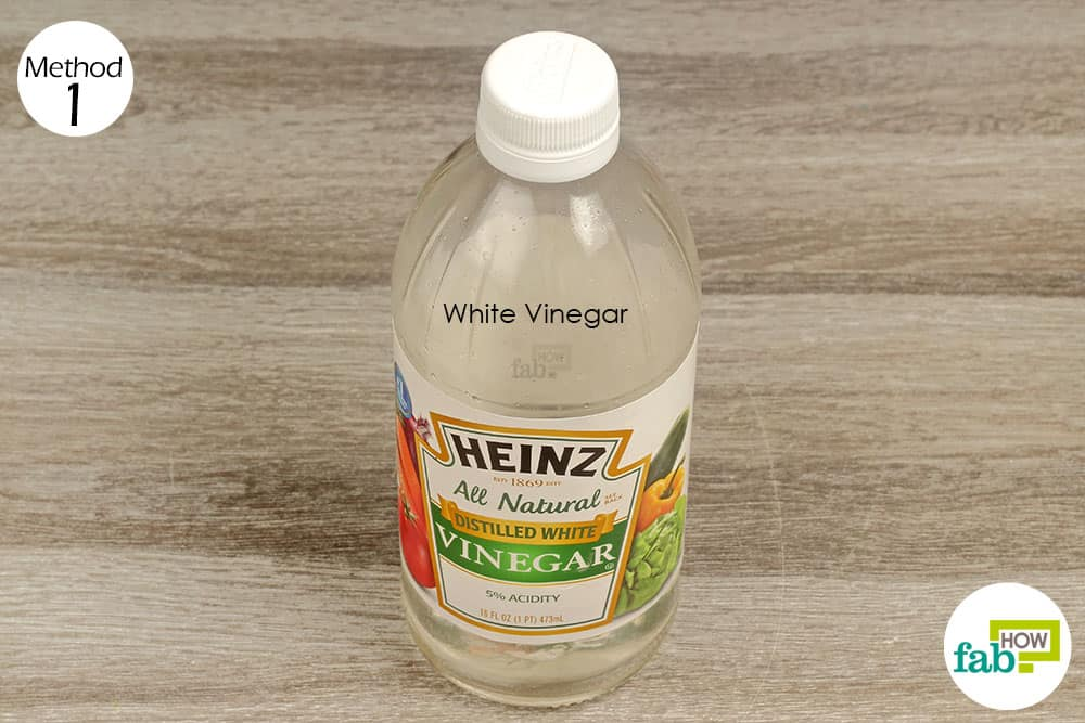 Use white vinegar laundry hack to deodorize your washing machine