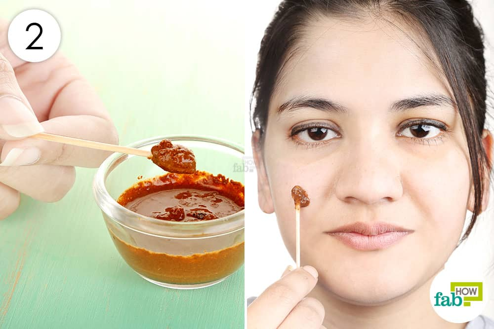 Apply the mask to use cinnamon for acne