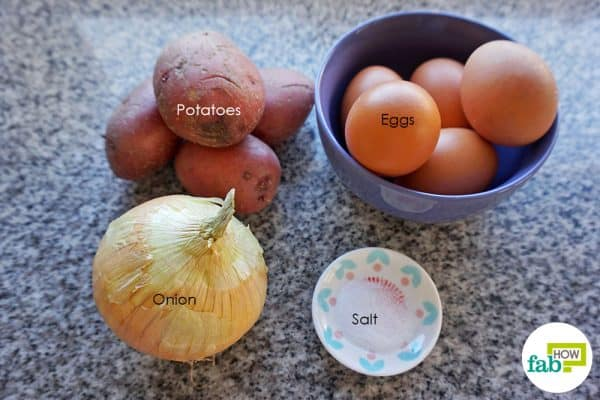 Things needed to make Spanish omelette