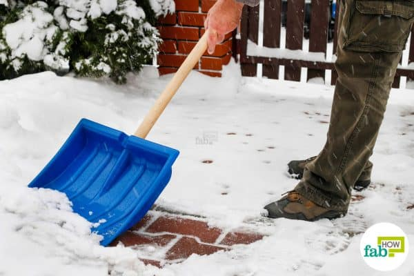 Use Dawn dish soap to de-ice your sidewalk