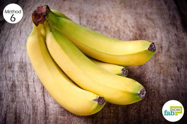 Eat a banana to get rid of heartburn naturally