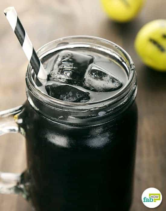 Drink this DIY lemonade to use activated charcoal for health