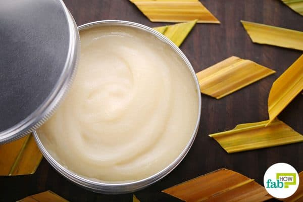 Make DIY foot cream with peppermint